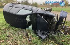 Accident la Loturi Enescu! Un tânăr s-a răsturnat cu mașina într-o curbă - FOTO