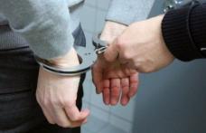 Tânăr din Bucecea reținut pentru lovire, șantaj și contrabandă