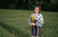"""Tânăra Lavinia Strugariu prezentă la emisiunea """"Daruri muzicale"""", în debutul elevelor sale"""