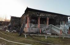 Atenție la coșurile de fum neprotejate termic! Locuință distrusă de foc - FOTO