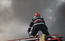 Casă distrusă de flăcări la Mesteacăn, comuna Corni