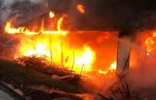 Casă din Dorohoi cuprinsă de flăcări. Pompierii au intervenit pentru stingere