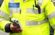 Mașină care mergea haotic prin Botoșani oprită de polițiști. Șoferul era beat și nu avea permis!