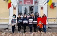 Bucurii în prag de sărbători pentru 130 de copii din județul Botoșani - FOTO