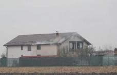 Incendiu izbucnit la o casă din Botoșani. Pompierii au intervenit pentru stingere - FOTO