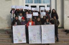 """Ajutaţi-ne să salvăm planeta! Proiect realizat de Liceul Teoretic """"Anastasie Başotă"""" Pomîrla"""