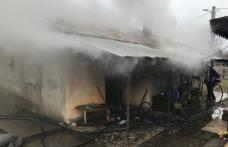 Un tânăr de 18 ani la un pas de a provoca o tragedie după ce a aprins focul în sobă cu benzină
