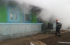 Bătrână rănită într-un incendiu izbucnit la Săveni - FOTO