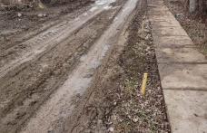 Primim la redacție – Drum impracticabil din cauza unor mașini de mare tonaj – FOTO