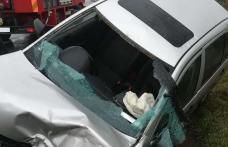 Accident! Un șofer cu alcool la bord a intrat cu mașina într-un gard