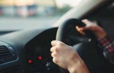 Minor de 17 ani sancționat după ce s-a urcat băut la volan și a produs un accident
