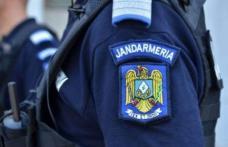 Doi petrecăreți agresivi și fără mască sancționați de jandarmi
