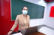 Câțiva profesori botoșăneni s-au mobilizat să-i ajute pe elevi să se pregătească pentru examenele naţionale. Vezi detalii!