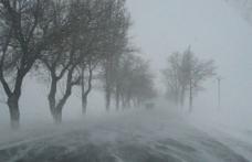 Zăpada îngreunează circulaţia în judeţ. Vezi situaţia drumurilor la ora 10:00
