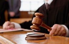 Bărbați plasați sub control judiciar