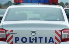 Vitezoman prins de polițiști într-o mașină cu numere false