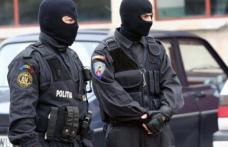 Percheziții în județul Botoșani la persoane bănuite de evaziune fiscală, abuz în serviciu și poluare prin evacuare de deșeuri