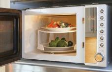 Lucruri pe care nu le știai despre cuptorul cu microunde