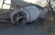 Camion răsturnat în localitatea Roma. Șoferul a fost transportat la spital - FOTO