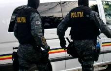 Zece percheziții efectuate de polițiștii de investigații criminale după o bătaie în fața complexului comercial Uvertura Mall