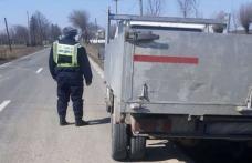 Autovehicul înmatriculat în Portugalia, depistat pe raza localităţii de frontieră Mihăileni, cu documente false