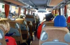 Autocar plin cu români cu teste PCR false, sechestrat în Franţa. Şoferii au fost arestaţi, pasagerii trimişi în Spania