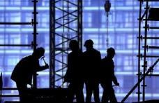 Restricțiile pentru români pe piața muncii din Olanda, prelungite cu doi ani