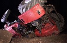 ACCIDENT GRAV! Bărbat prins sub tractor, preluat de terapia intensivă