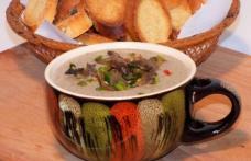 Supă cu praz și ciuperci