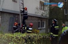 Femeie din Dorohoi blocată în apartament salvată cu ajutorul pompierilor - FOTO