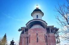 Slujbă arhierească în a II-a zi de Paște și deschiderea unei noi biserici la Dorohoi