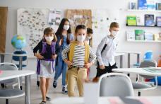 Toți elevii din Dorohoi se întorc de luni la școală