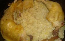 Pilaf cu găină de țară