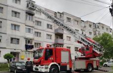 Femeie din Dorohoi, rămasă captivă în baie, salvată de pompieri