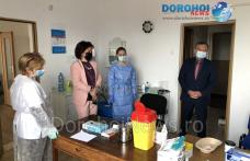 """Centru de vaccinare deschis la Liceul """"Regina Maria"""" Dorohoi. Peste 100 de elevi și-au arătat interesul - FOTO"""