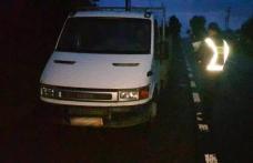 Autoutilitară cu asigurare falsificată, descoperită în trafic de poliţiştii de frontieră din Dorohoi