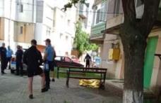 Tragedie în Dorohoi! Un bătrân de 82 de ani a murit după ce a căzut de la etaj - FOTO
