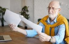 Guvernul a aprobat proiectul de lege care interzice cumulul pensiei cu salariul, inclusiv în învățământ
