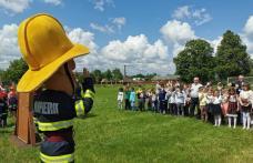 """""""Un cămin sigur pentru copilul tău""""– activitate a salvatorilor botoșăneni alături de pompierul Sam - FOTO"""
