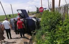 Accident grav pe un drum din județ! Două persoane au fost rănite