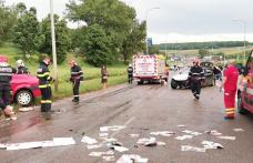 Carambol cu cinci mașini la ieșirea din Botoșani. Șapte persoane au ajuns la spital în urma impactului - FOTO