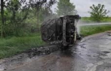 Autoturism distrus de flăcări, la Durnești - FOTO