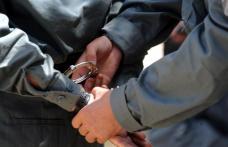 Tânăr de 25 de ani reținut pentru amenințare  și încălcarea ordinului de protecție