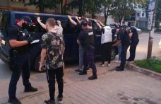 Mascații și zeci de polițiști au descins la terasele din Botoșani - FOTO