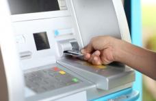Uluitor! Un şofer din Botoşani a fost escortat de poliţişti până la bancomat pentru a scoate banii de şpagă
