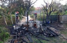 Bucătărie de vară distrusă de foc la Flămânzi - FOTO