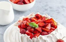 Pavlova cu căpșuni