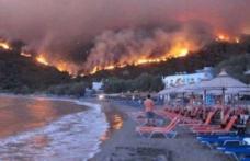 Avertizare pentru turiștii români: Incendiu puternic în insula Kefalonia din Grecia