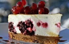Cheesecake cu mascarpone și cireșe