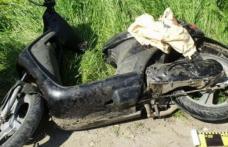 A ajuns într-un șanț cu o motocicletă neînmatriculată și fără a poseda permis de conducere